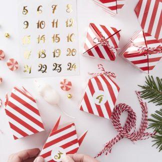 24 stk Röda och Vita Advents-Askar / Julkalender med Klistermärken och och Snöre