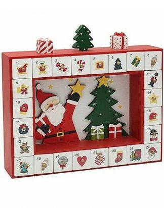Julkalender i Trä med Dekorativa Julgranar och Tomte 30x27 cm